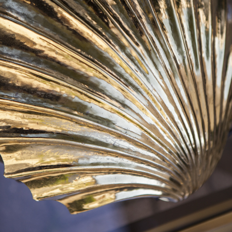clam_wall_light_sea_shell_gold