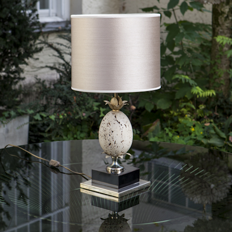 French_rare_vulcano_stone_egg_Table_Lamp