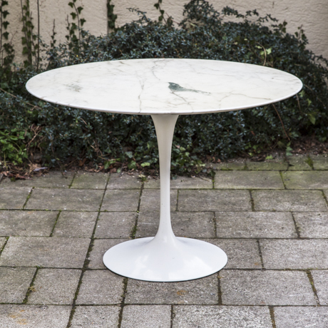 Tulip_Dining_Table_Saarinen_Marble_White