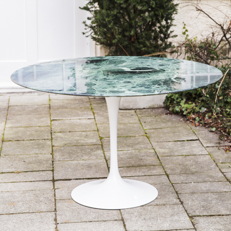 Tulip_Dining_Table_Saarinen_for_Marble_Grün