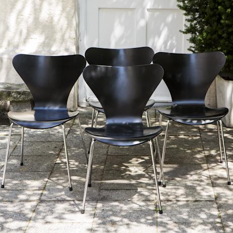 Arne_Jacobsen_3107_Chair_Set_of_4