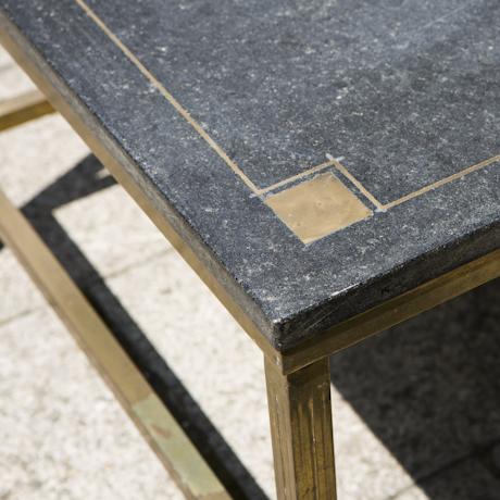 Cubic side table black stone with brass inlays schlicht for Kleiner schwarzer beistelltisch