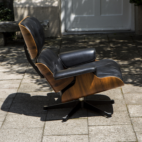 lounge chair by charles eames with rosewood and black. Black Bedroom Furniture Sets. Home Design Ideas