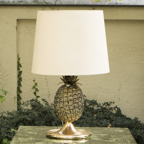 pineapple_table_lamp_silk_shade_460px