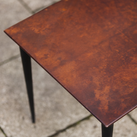 mahagony_brown_side_table_petit