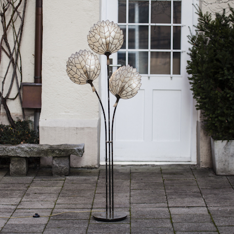 Mother_Of_Pearls_Floor_Lamp_460px_01