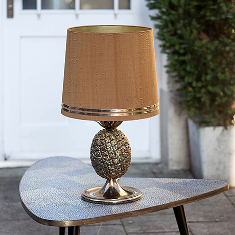 Pineapple_Table_Lamp_Brown_silk_Shade