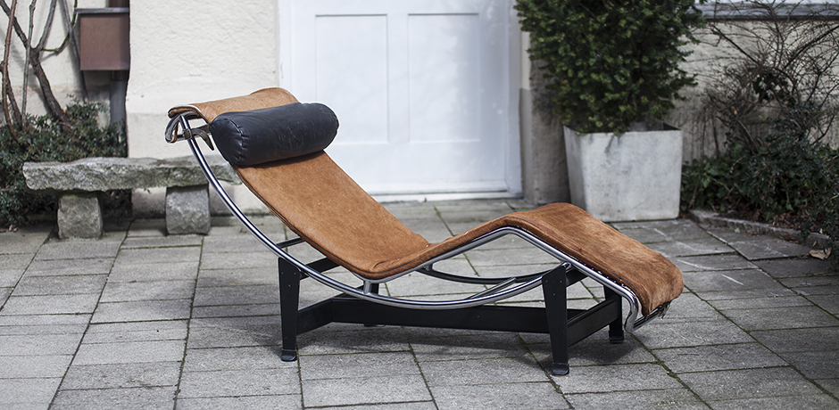 Schlichtes DesignLe_Corbusier_Jeanneret_Perriand_Chaise_Lounge_for_Cassina_Number_888