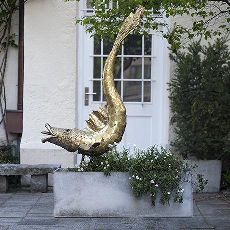 Schlichtes DesignMaison_Jansen_Golden_Fish_fountain_sculpture_skulptur_garten_design