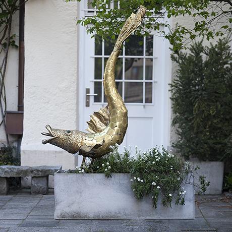 Maison_Jansen_Golden_Fish_fountain_sculpture_skulptur_garten_design