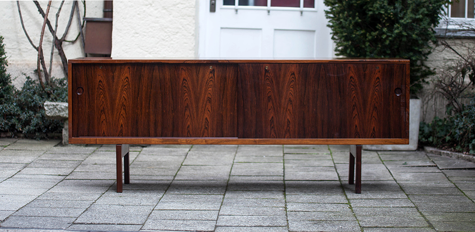 Sideboard_Danish_Rosewood_Hans_Wegner_Ry26_1955