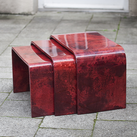 Schlichtes DesignAldo_Tura_Nesting_Tables_Red_2