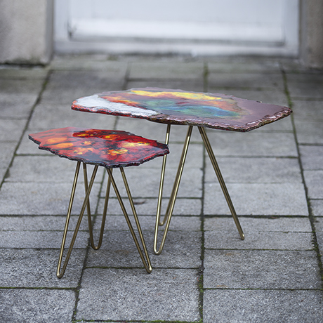 Schlichtes DesignColored_Enamel_Nesting_Tables_1955