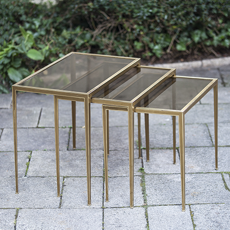 nesting_table_vereinigte_werkstaetten_german_design_tisch