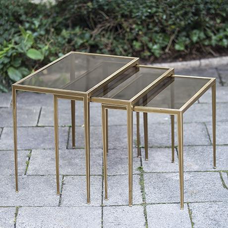 nesting_table_vereinigte_werkstaetten_german_design_tisch