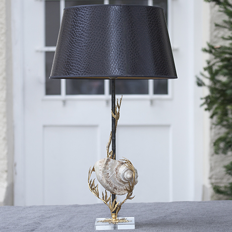 clam_table_lamp_Tischlampe_lighting_Leuchte_seashell_shell_Muschel_Jacques_Duval_Brasseur_french_interior_design