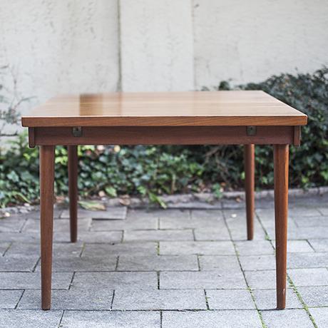 extending_dining_table_Finn_Juhl_Esstisch_teak_Teakholz_scandinavian_design_Denmark