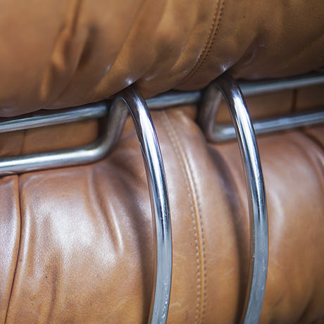 soriana_ottoman_by_cassina_scarpa_atelier_international_italian_design_seating_leather_Leder_chrome