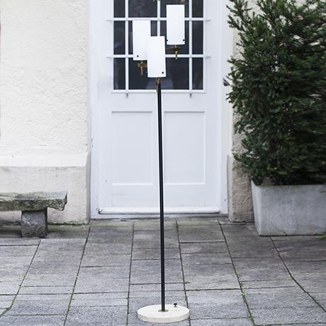 Stilnovo_floor_lamp_opaline_glasses_brass_marble_Messing_Marmor_Glas_Stehlampe_italian_interior_design