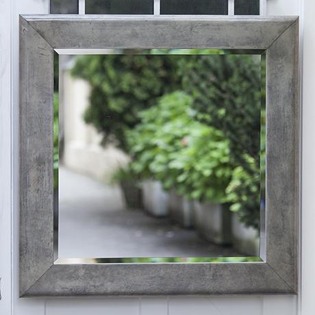 mirror_Spiegel_grau_grey