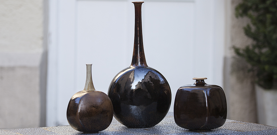 weigel_brown_vase_1