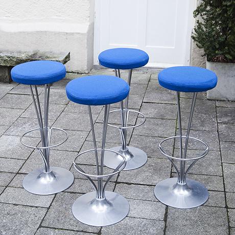 Piet_Hein_bar_stools_blue
