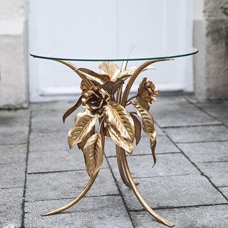 Schlichtes DesignHollywood_Regency_golden_table_1