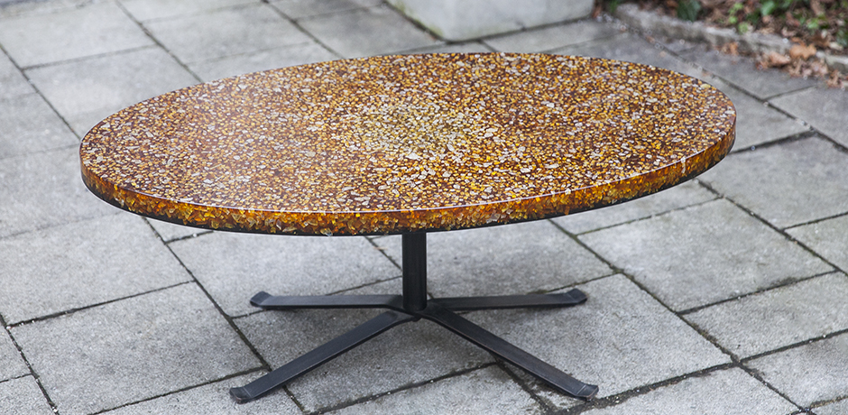 Schlichtes DesignResin_coffee_table_1