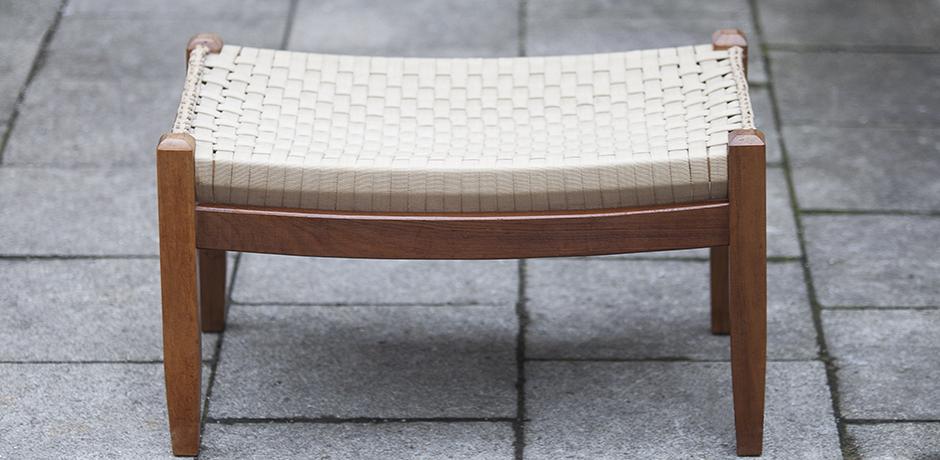 Scandinavian_walnut_stool