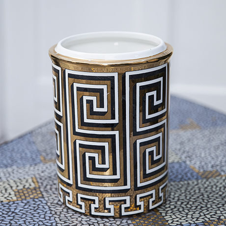 Fornasetti_vase_white_golden