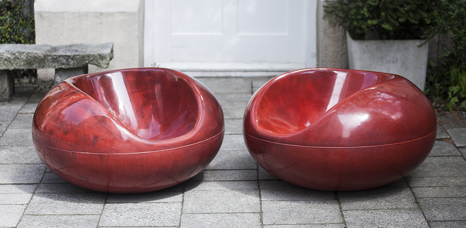 red_pastil_chairs_2