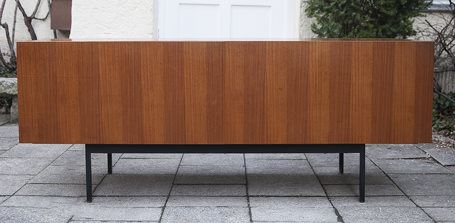 Dieter_Waeckerlin_sideboard