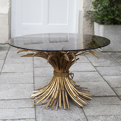 Schlichtes DesignChanel_golden_corn_coffee_table