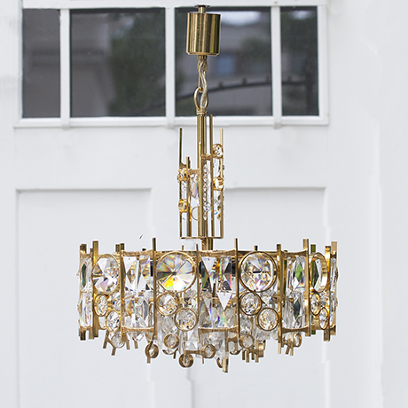 Schlichtes DesignPalwa_gilt_metal_jewel_chandelier