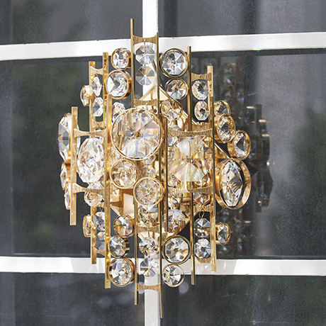 Schlichtes DesignPalwa_metal_jewel_wall_sconce
