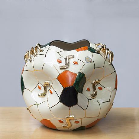 Pucci_spider_ceramic_vase_Italy