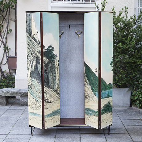 wardrobe_cabinet_beach_italy_photo