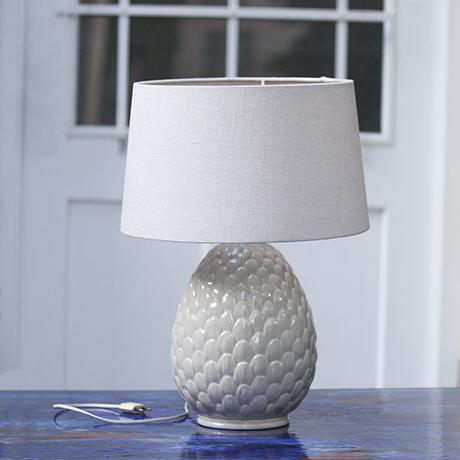 Porzellan_artichaud_Lampe_Tischlampe