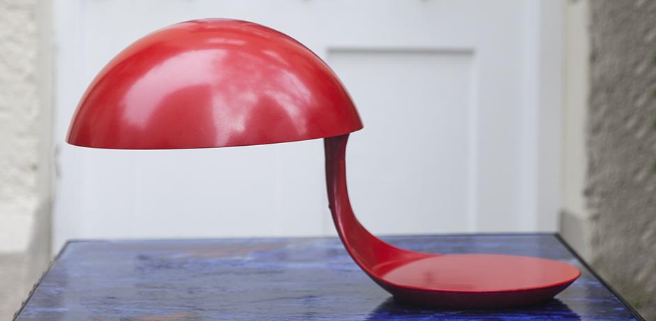 Cobra_lamp_red_vintage