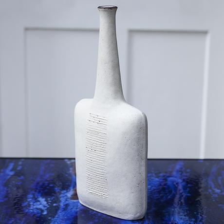 Gambone_stone_vase_white