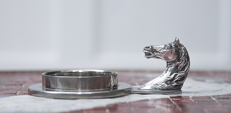 Hermes_horse_table_silver_object