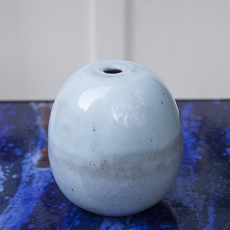 Kerstan_vase_light_blue