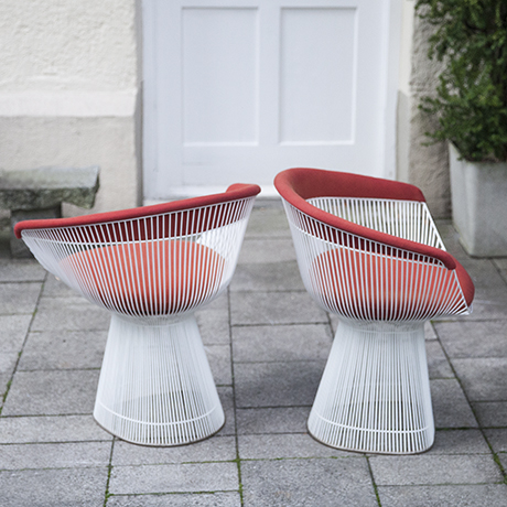Platner_Knoll_side_armchairs_red_white