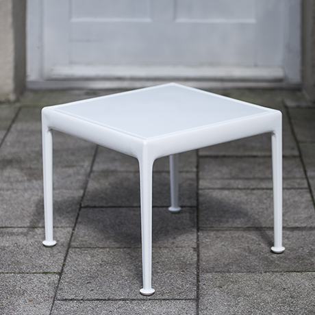 Schultz_coffee_table_white