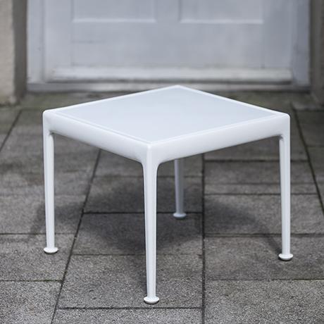 Schultz_coffee_table_white