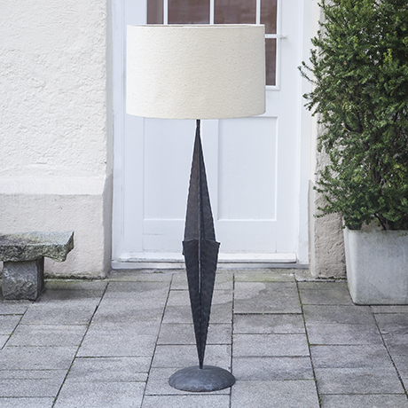 floor_lamp_brutalist_french