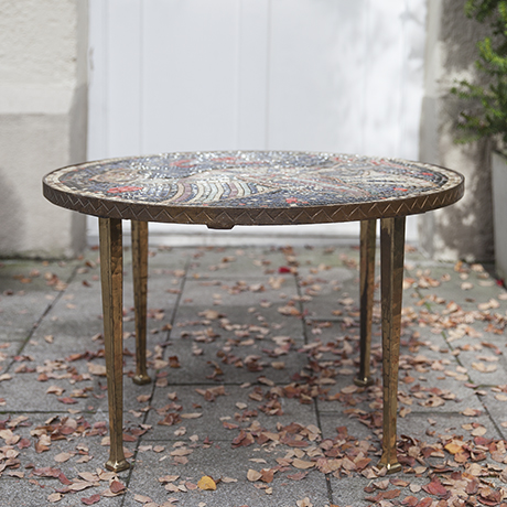 mosaic_table_round_garden_design