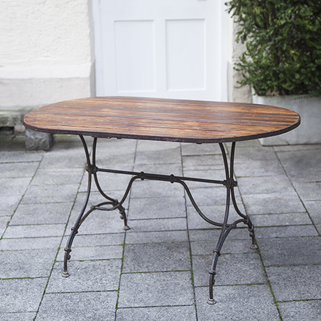 outdoor_wooden_table_france