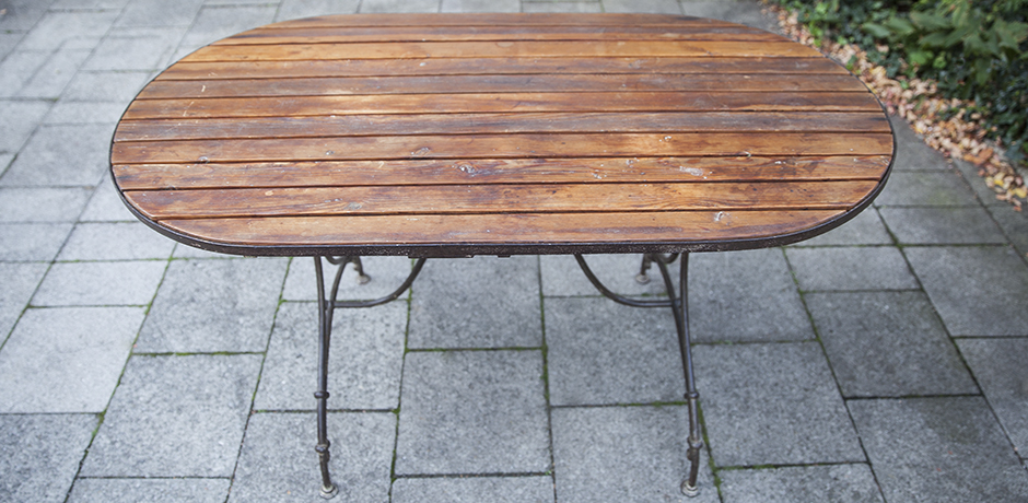 wooden_outdoor_table_furniture