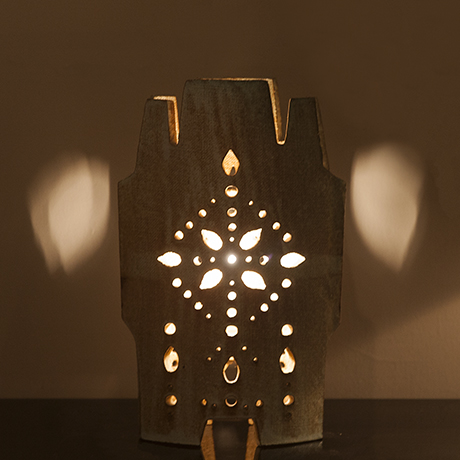 Accolay_Lampe_farbig_Tischlampe_Kunst
